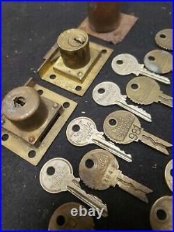 17 VINTAGE MILLS NOVELTY CO. KEYS & locks vending, slots, coin operated inv 847