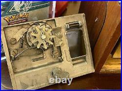 1950's Victor Gumball Vending Machine Super V 5 Cent Coin Mechanism