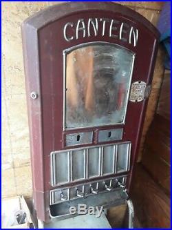 Antique Canteen Gum & Candy Vending Machine (Hartford, Wisconsin) coin-op