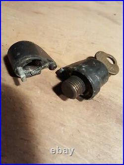 Columbus Gumball Machine / Peanut Machine Barrel Lock withKey coin operated