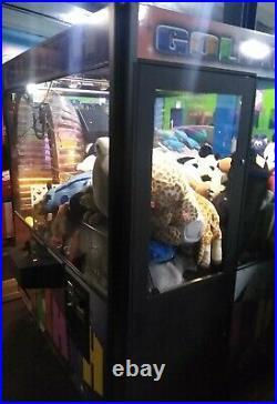 Goliath Hugh Crane Machine Vending Arcade Coin Op Claw