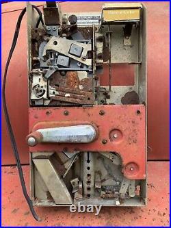 Original Vintage VMC 139 Coin Mech Soda machine Look Vendo