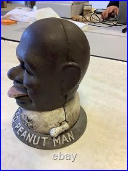 Smilin Sam from Alabama Coin Operated Peanut Vending Machine