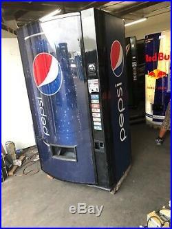 Vendo 516-8 Soda Vending Machine WithCoin & Bill Accept (Pepsi) Bubble Front