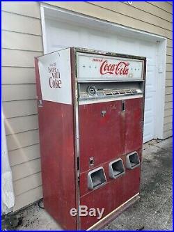 Vintage Coca-Cola Vending Machine 1960s Retro Coin Old Antique Coke Cavalier