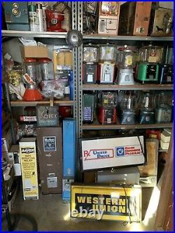 Vintage Universal Vendors Saint Louis Coin Op 5 Cent Vending Machine