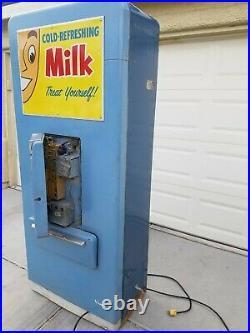 Vintage Vendo Milk Vending Machine Coin Operated Original Good Condition 10 cent